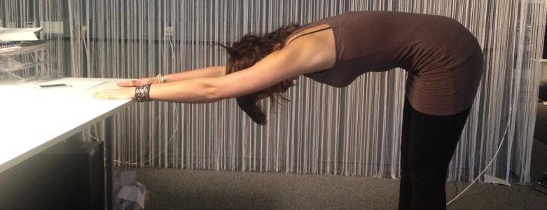 Afbeeldingsresultaat voor stretchen aan je bureau