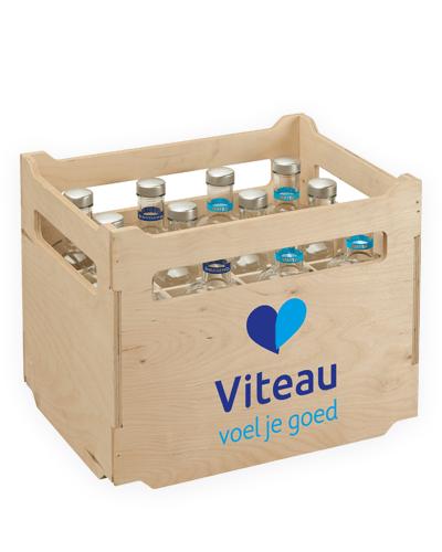 Viteau-houten-krat-glazenflessen-bruiswater