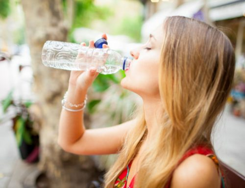 Drink voldoende water: zo overleef je 40 graden in Nederland op werk